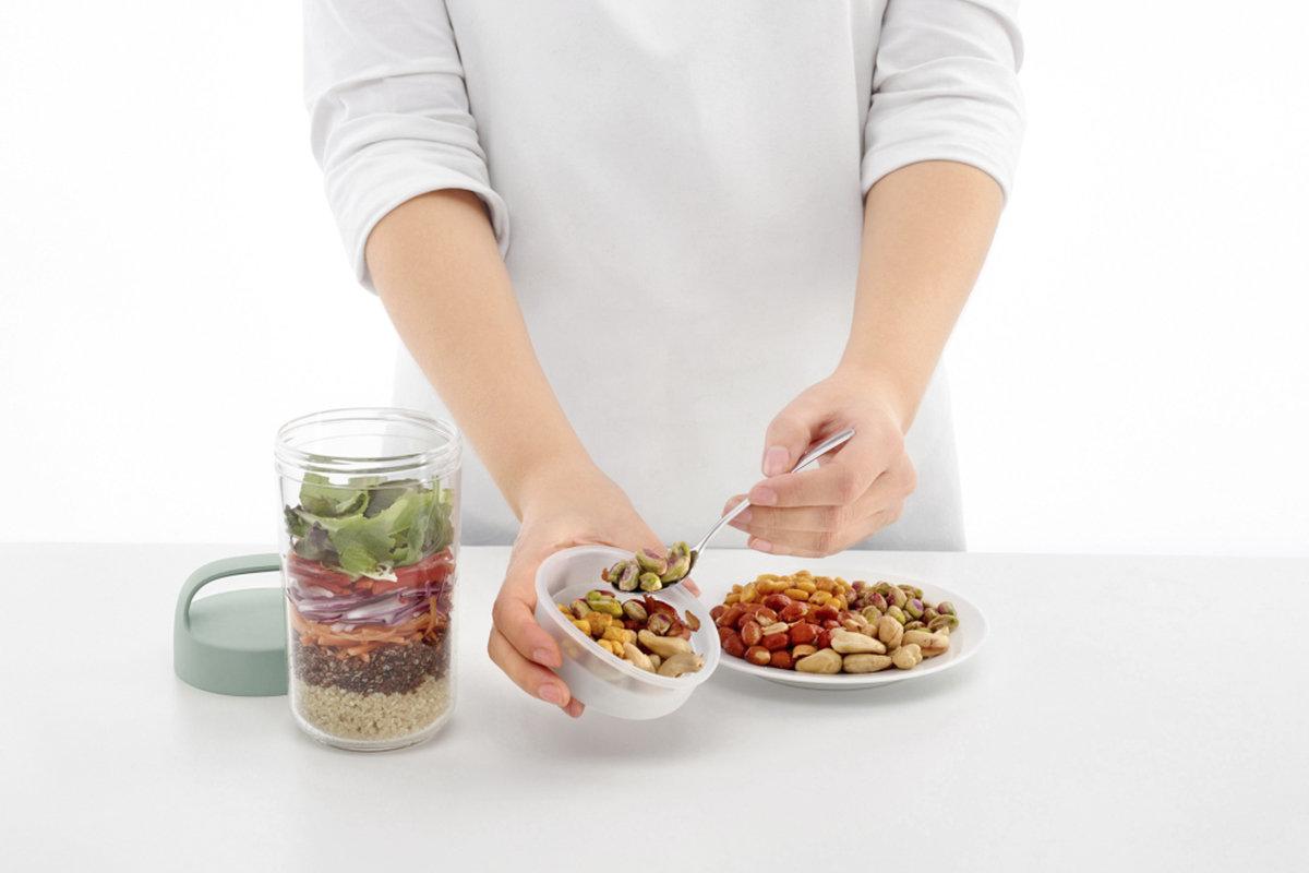 To-Go-Snackbox mit Serviervorschlag